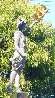 Dscn6027_reitaku_statue_1